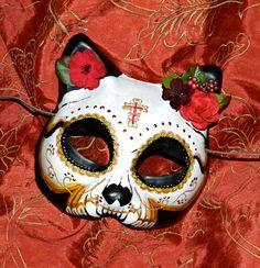 Cat Mask Day of the Dead Mask Dia de Los Muertos Kitty from Masquefaire on Etsy. Saved to Masquerade. Cat Skull, Skull Art, Skull Design, Mask Design, Halloween Masks, Halloween Crafts, Festival Of The Dead, Day Of The Dead Mask, All Souls Day