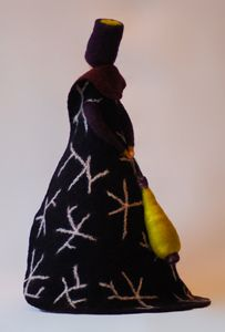 Vrouwen - Wolinhout Diy Tree Topper, Tree Toppers, Felt Dolls, Felt Art, Felt Crafts, Felting, Jewelery, Xmas, My Style
