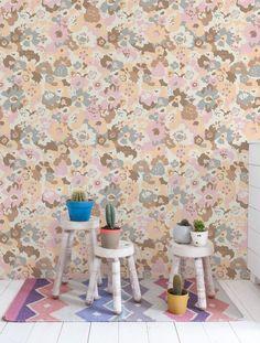 "15' x 28"" Wild Flower Wallpaper (Set of 2)"