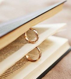 Talented automated classic wedding ring Respond by - Wedding Photography Wedding Ring Photography, Jewelry Photography, Wedding Photography Inspiration, Photography Ideas, Photography Camera, Photography Business, Wedding Picture Poses, Wedding Poses, Wedding Shoot