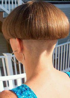 Girl Short Hair, Short Hair Cuts For Women, Short Hair Styles, Shaved Bob, Shaved Nape, Mushroom Hair, Bowl Haircuts, Girls Short Haircuts, Bald Girl