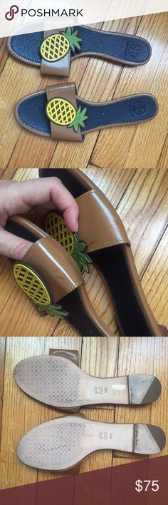 Tory Burch Pineapple Flat Sandals 9 10 Good used condition. There are a few scuffs on the band, see photo, but are not really noticeable when worn. They are marked size 10 but run small, maybe more like a 9. I measured the insole, which is about 10.75 inches. Let me know if you have any questions! Tory Burch Shoes Sandals