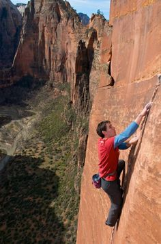 Image result for Alex Honnold climbs Yosemite