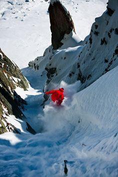 Snowboard Photo: Burton Snowboards' Fredi Kalbermatten drops into a steep-ass powder chute in Fiescheralp, Switzerland. Photo by Silvano Zeiter. Winter Hiking, Winter Fun, Trekking, Ski Freeride, Summer Vacation Spots, Fun Winter Activities, She Wolf, Escalade, Kayak