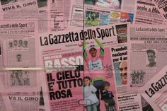 Advertising panel for Italian cycling tour Giro d'Italia, sports competition, pink jersey — Foto Editoriale Stock © frizio #154442210