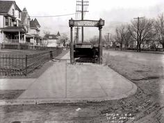 New subway station at 77th Street and 4th Avenue, 1916.