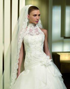 Pendulo - Kifutó modellek - Esküvői ruhák - Ananász Szalon - esküvői, menyasszonyi és alkalmi ruhaszalon Budapesten