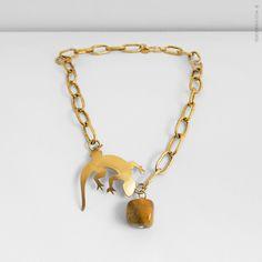 Gargantilla de cadena de plata bañada en oro de 24k, adornada con ágata. Pieza de latón bañado en oro de 24k. REF.CV040