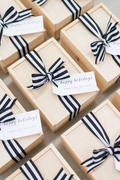 Wedding Gifts Diy Modern Client Gifts for DC Wedding Planner Caroline Dutton Events - Modern custom client gifts for DC wedding planner Caroline Dutton Events featuring custom logo cookie, bubbly, artisan candle, calligraphy gift tag, ribbon Wedding Welcome Gifts, Wedding Gifts, Great Christmas Gifts, Holiday Gifts, Christmas Gift Boxes, Christmas Presents, Cadeau Client, Diy Cadeau, Curated Gift Boxes