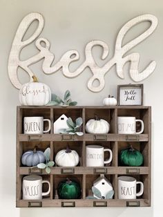 Wonderful Snap Shots FALL DECOR HOME TOUR Bold boundless blonde house ideas Strategies These decorations are easy and straight forward, but some persons may possibly never have these some Fall Living Room, Living Room Decor, Dining Room, Dining Decor, Farmhouse Style, Farmhouse Decor, Country Decor, Modern Farmhouse, Fall Fireplace