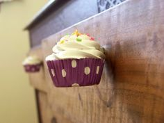 Cupcake drawer knobs for a nursery or kitchen. Cute!