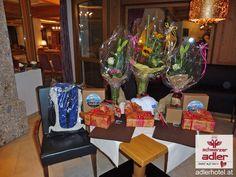 Feierliche Ehrung der Gäste im Hotel Schwarzer Adler Wine Glass, Tableware, Eagle, Black Man, Dinnerware, Dishes