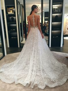 Now happening: Berta Bridal's exclusive trunk show in Singapore {More wedding gowns and dresses inspiration on Instagram: theweddingscoop}