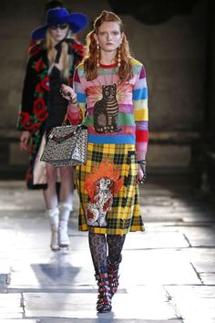 96 Gucci cruise 2017 runway looks: Mismatched prints