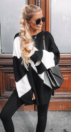black and white outfit / sweater + bag + skinnies