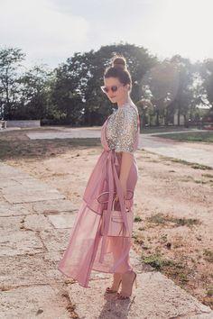 La Vita Mia: Sequins and overalls