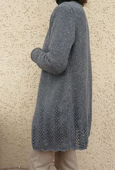 Ravelry: Project Gallery for Perry pattern by Michele Wang - Simple long V-neck cardigan w/ vertical lace details at the bottom Sweater Knitting Patterns, Knitting Stitches, Knit Patterns, Hand Knitting, How To Purl Knit, Knitting For Beginners, Looks Cool, Crochet Clothes, Knitting Projects