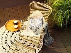 De rotan meubelen uit de jaren 60zijn weer helemaal terug van weggeweest. Ikea heeft de rotan stoel Storsele. En de merken House Doctor en ...