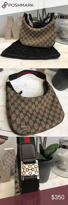 """Gucci bag excellent condition ✨Authentic Gucci bag in excellent condition approx L9""""xH5""""  make me an offer ! ✨ ❤️not included in bundle discount but price is negotiable ❤️ Gucci Bags Hobos"""