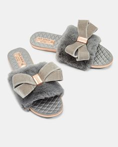 91ddde1ab428 Faux fur oversized bow slippers - Gray
