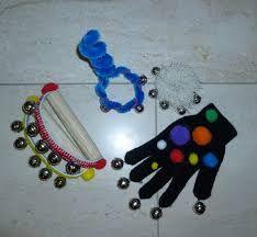 Muziekinstrumenten maken - Google Search Diy Crafts To Sell, Diy Crafts For Kids, Arts And Crafts, Infant Activities, Preschool Activities, Halloween Activities, Instrument Craft, Homemade Musical Instruments, Music Crafts