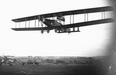 BRITISH AIRCRAFT FIRST WORLD WAR (Q 67636)   Handley Page V/1500 heavy bomber biplane.