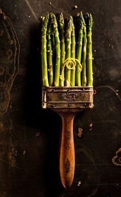 asparagus - very cool photo Food Photography Styling, Food Styling, Whimsical Photography, Artistic Photography, Life Photography, Food Design, Fruit And Veg, Culinary Arts, Food Gifts