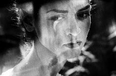 Μαρία Πολυδούρη: «Μόνο γιατί μ' αγάπησες». Το τρυφερό ποίημα που ερμήνευσε υπέροχα η Αρβανιτάκη
