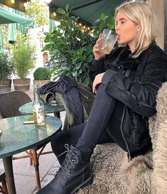 The Faux Suede Fur Jacket by NA-KD features a suede-like material with a faux fur inside that will make you feel bundled in the best way, silver details and two front pockets with fur details. Suede Jacket, Fur Jacket, Black Jackets, Faux Fur, Coat, Womens Fashion, Pants, Shopping, Suede Moto Jacket
