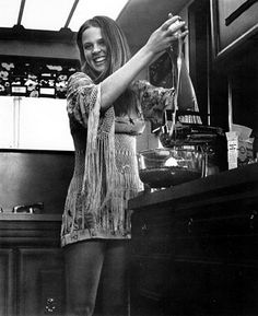 Leigh Taylor-Young, from I Love You Alice B. Rainbow Gathering, 1960s Movies, Beautiful People, Beautiful Women, Retro Pictures, 60s And 70s Fashion, I Love You, My Love, Film Inspiration