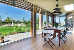 Tolin parquet adatto a tutti gli ambienti, anche i più umidi. Vuoi dare un tocco di originalità ed eleganza alla tua casa? Ti aspettiamo!