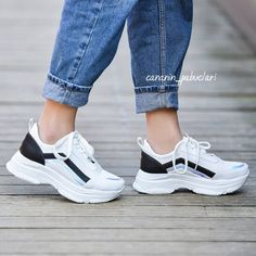 Air Max Sneakers, Sneakers Nike, Nike Air Max, Womens Fashion, Ideas, Cute Flats, Shoes Sneakers, Heels, Over Knee Socks