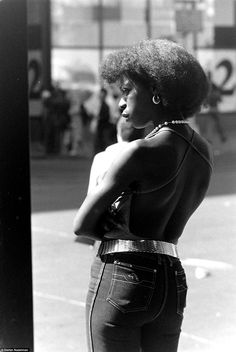 my favorite in this series. Hundreds of photographs from the 1970s and early 1980s capture the mood and fashion of a N...
