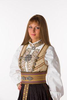 FINN – Beltestakk i jordfarger Folk Costume, Costumes, Norwegian Clothing, Viking Series, Christian Movies, Traditional Dresses, Norway, Womens Fashion, Ethnic Fashion