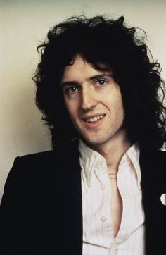 Brian May of Queen. Queen Brian May, I Am A Queen, Queen Band, Freddie Mercury, Love You So Much, My Love, Queen Photos, Queen Pictures, Best Guitarist