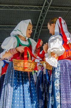 Žurnál / SAShE.sk Bosnia, Czech Republic, Folklore, Croatia, Coast, Costumes, Travel, Viajes, Dress Up Clothes