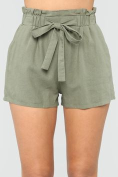 Yissang Women's Casual Loose Paper Bag Waist Shorts with Bow Tie Belt Pockets Teen Shorts, Diy Shorts, Cute Shorts, Casual Shorts, Classy Outfits, Casual Outfits, Cute Outfits, Fashion Outfits, Short Outfits