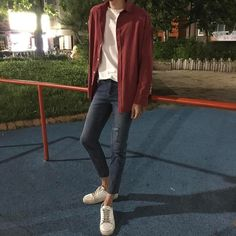 Korean Fashion Trends you can Steal – Designer Fashion Tips Korean Fashion Trends, Korean Street Fashion, Asian Fashion, Boy Fashion, Fashion Outfits, Fashion Tips, Fashion Hair, Fashion Photo, Womens Fashion