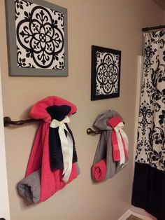 Cute way to hang towels for guest bathroom