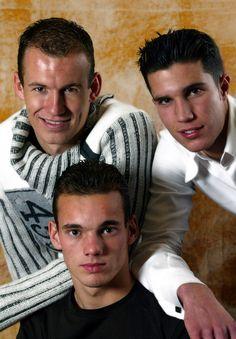11. Wesley Sneijder, Arjen Robben, Robin van Persie (Netherlands), 2003 | www.dribblingman.com