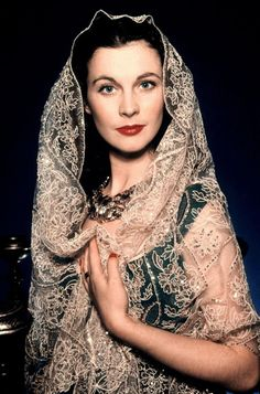 Vivien Leigh modeling a beautiful Scarf. Yep she does a great job, because I would buy that NOW! #styleicon #modcloth