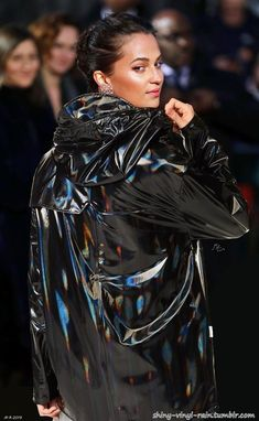 Alicia in Holographic Vinyl 2 Vinyl Raincoat, Pvc Raincoat, Gao Yuanyuan, Rubber Gloves, Pvc Coat, Alicia Vikander, Pvc Vinyl, Rain Wear, Black Rubber