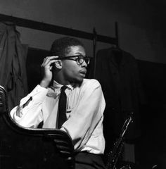 Top Ten Herbie Hancock Albums - Jazz Music Forum - Page 1 Free Jazz, Afro, Jazz Cat, Piano Lessons For Beginners, Musician Photography, Blues, Herbie Hancock, Instruments, Miles Davis