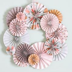 Paper Flowers Craft, Paper Crafts Origami, Flower Crafts, Diy Paper, How To Make Flowers Out Of Paper, Paper Flower Wall, Easy Paper Crafts, Flower Diy, Diy Crafts Hacks