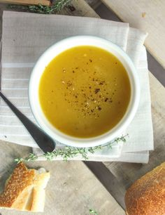 This slightly spicy version of Butternut Squash Soup requires only 4 ingredients and cooks in your slow cooker! #CrockPot #SlowCooker #soup #recipe #squash #winter
