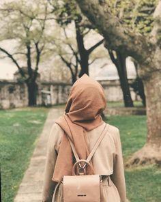 #muslimahhijab #hijab face hiding muslim girl dp Follow for more