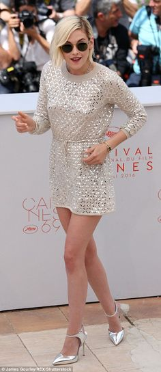 Cannes 2016. Kristen Stewart in Chanel dress and Giuseppe Zanotti metallic heels (3)