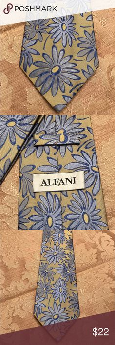 Men's Alfani Floral Tie Men's Alfani Floral Tie~Tan Background With Funky Blue Flowers~Excellent Condition Alfani Accessories Ties