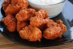 How to Make Boneless Chicken Wings. Includes recipes for wing sauces: buffalo, honey BBQ, Parmesan garlic, Asian, and Caribbean jerk. Boneless Chicken Wings, Buffalo Wings, Buffalo Chicken, Chicken Breasts, Chicken Tenders, Ranch Chicken, I Love Food, Gastronomia, Snacks