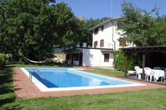Dit vakantiehuis (voor 6 personen) staat te huur op de website van Recreatiewoning.nl. Het is gelegen in de regio Abruzzen. Een uniek stukje Italië.